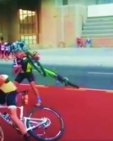 Riders struggle in high winds at the Cape Town Cycle Tour